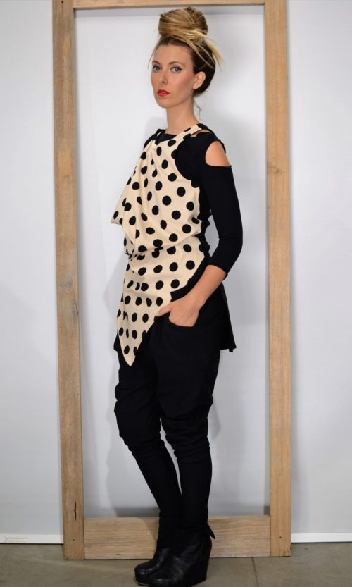 Lena Top-Camel Blk Dot