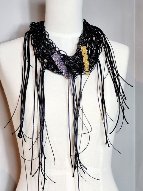 Lace Knotted Collar-Gold Oxy